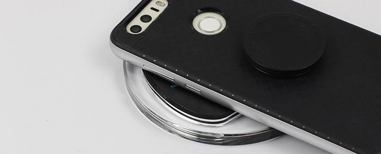 ładowarka indukcyjna nie ładuje przez aluminiowe etui
